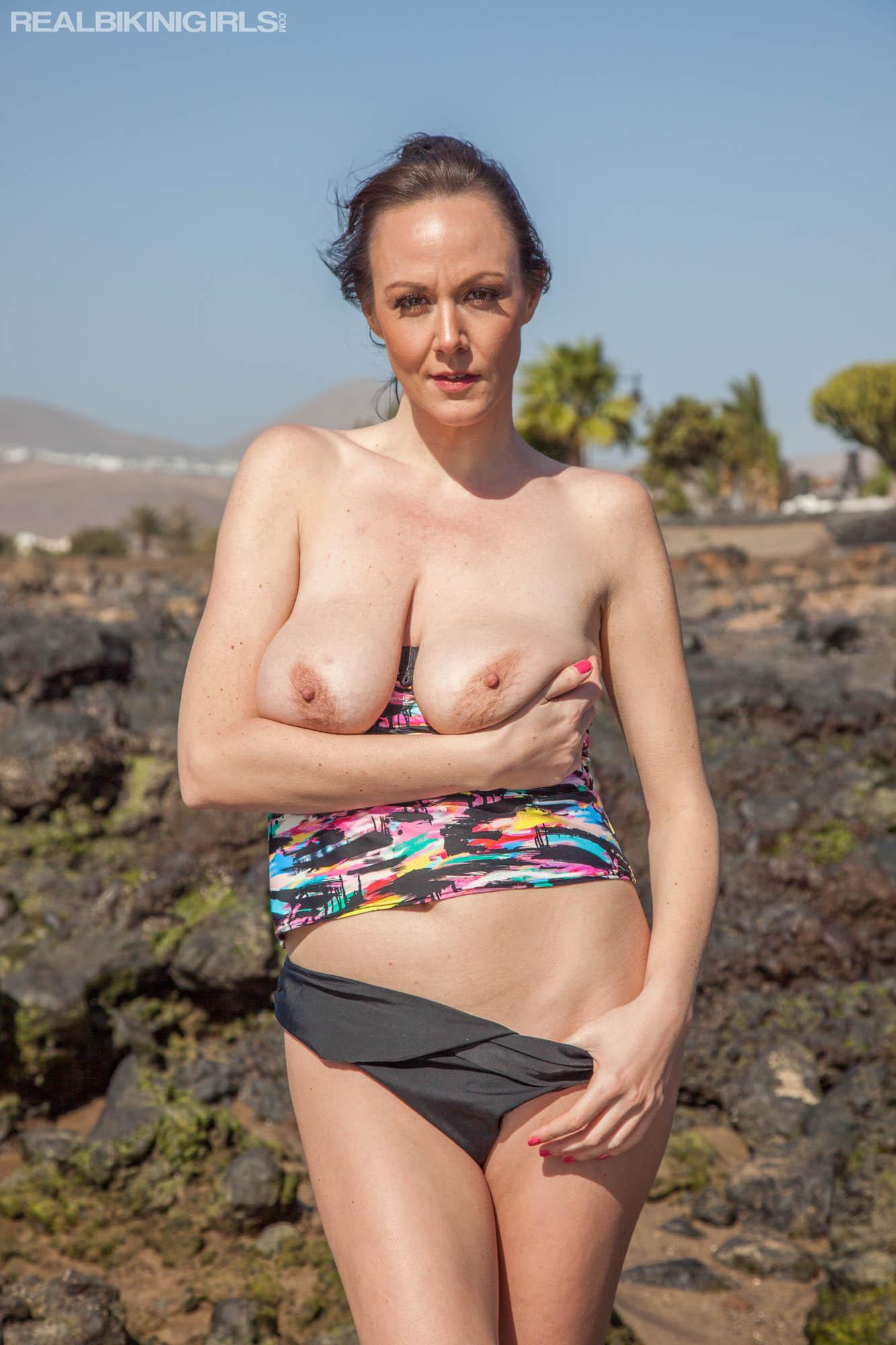 Rock Pool - Free bikini photos from RealBikiniGirls.com